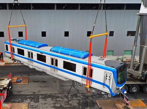 tàu Metro được di duyển bằng sling cáp vải